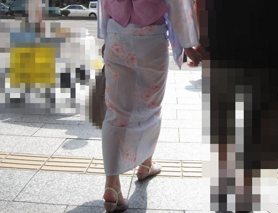 【透けパンエロ画像】夏が過ぎた今日この頃…浴衣の透けパンツが頭ん中でフラッシュバックーしたからまとめたよん♪w