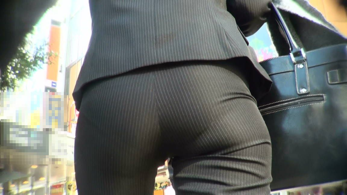 【素人OLエロ画像】タイトスカートorズボン貴方はどっちがお好み??俺はどっちも~₍₍ ᕕ(´ ω` )ᕗ⁾⁾