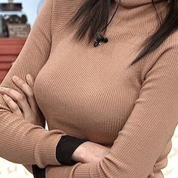 【着エロ画像】巨乳の人がニットやセーター着ると危険度が計測不能になった件(:.;゚;Д;゚;.:)