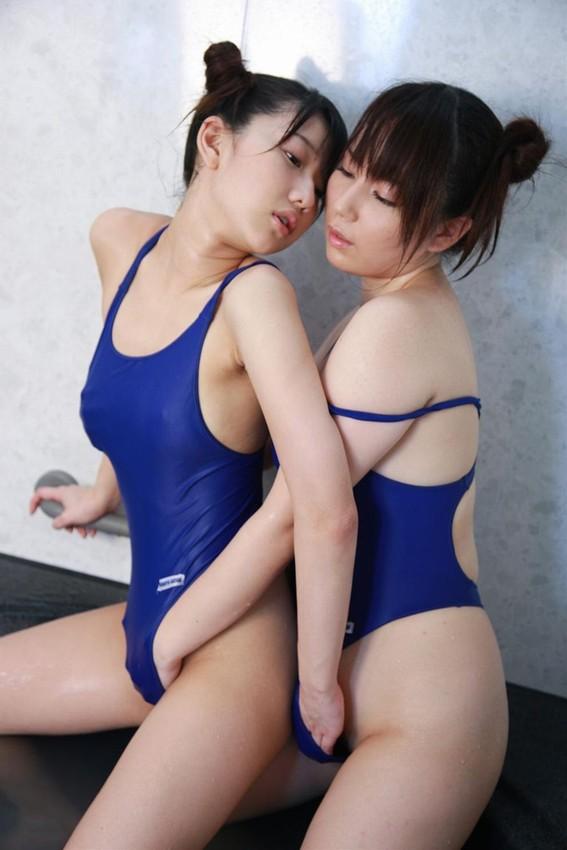 【レズエロ画像】割り込めなくても拝めれば本望www女同士で淫らに求め合う百合の世界(*´д`*)
