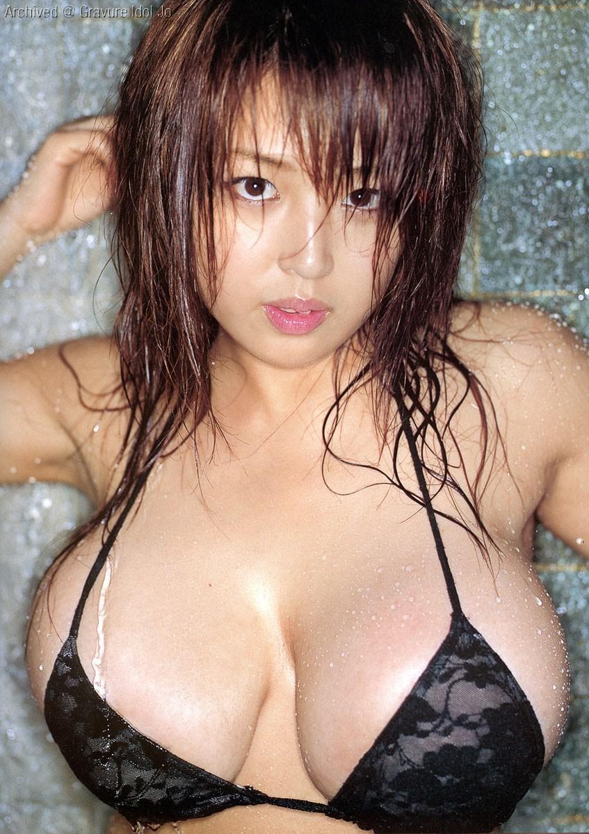 【女の入浴エロ画像】水の滴るおっぱいの破壊力(((゚Д゚)))シャワーを浴びる美乳っ娘たちwww