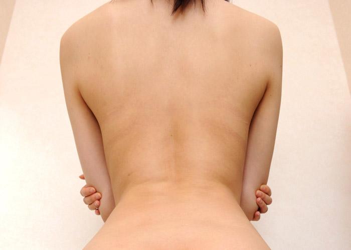 【美女の背中エロ画像】これが抜ける後ろ姿っ!妄想を限りなく膨らませる美肌でスベスベな女の背中(*´д`*)