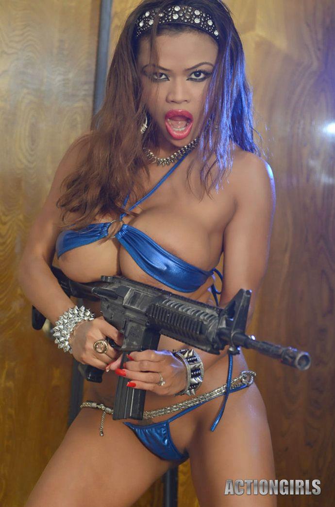 【海外コスプレエロ画像】コスチュームが霞むほどの淫らさ加減(*゚∀゚)=3外人美女のエロコス