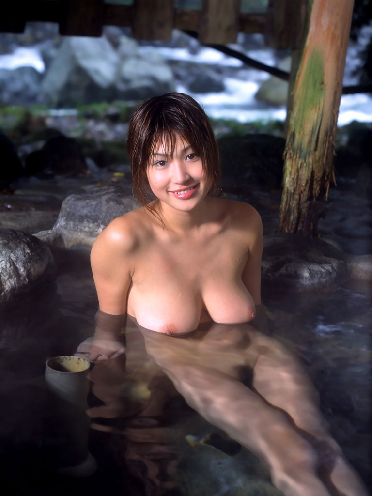 勃起確実な美女の入浴シーンをご覧くださいwww 30枚