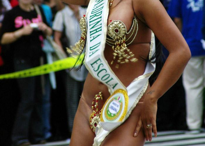 【イベントエロ画像】過激衣装でナンボのサンバカーニバル!国内なのにこんな見えそうで許されるとか(;´Д`)