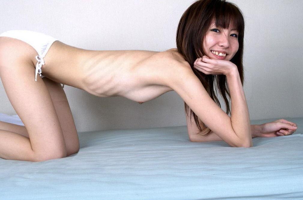 【スレンダーフェチエロ画像】脱がせて驚愕((((;゚Д゚))))抱いたら壊れそうな痩せ過ぎ女性たち 01