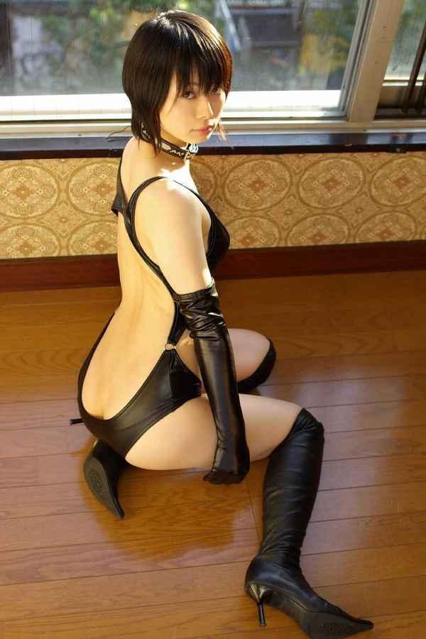 【衝撃画像】半裸どころか、おっぱいまで丸出しにしてしまった美人コスプレイヤー達wwww 画像34枚