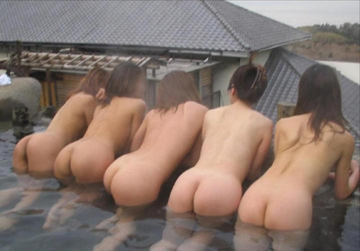 【入浴エロ画像】男子禁制なのに写真撮ってるよ!風呂ではっちゃけた素人娘たちの悪ノリΣ(゚Д゚;)