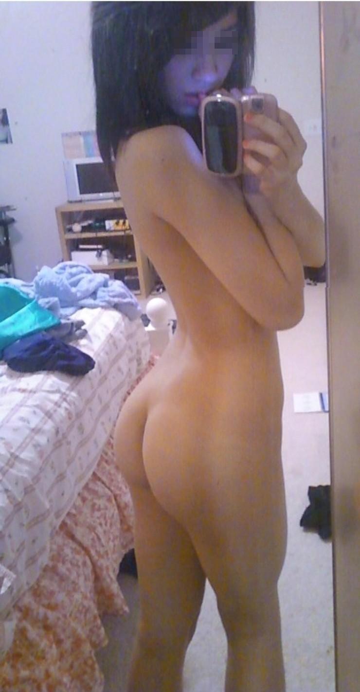 【自撮りエロ画像】美尻いっぱいwwwおっぱいだけが女じゃないのよ的素人尻撮り(*゚∀゚)=3