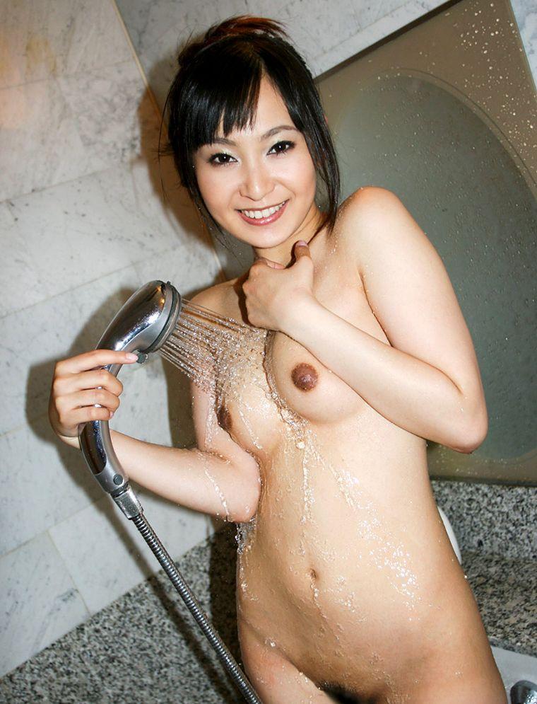 【入浴エロ画像】どうか洗わせて…キレイにしたら後は当然wwwシャワーに濡れた美女の裸体(*´д`*)
