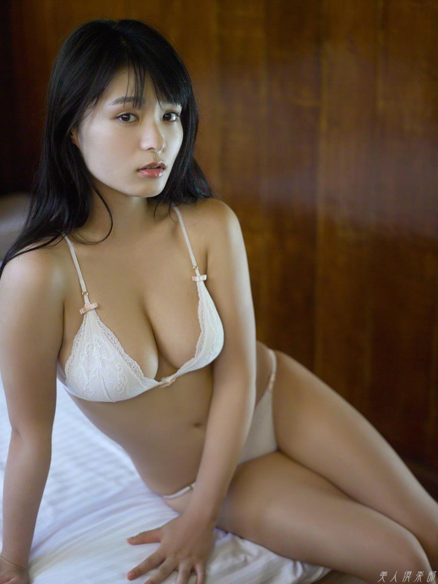 星名美津紀 おっぱいデカくて超かわいい!グラビアアイドル画像100枚