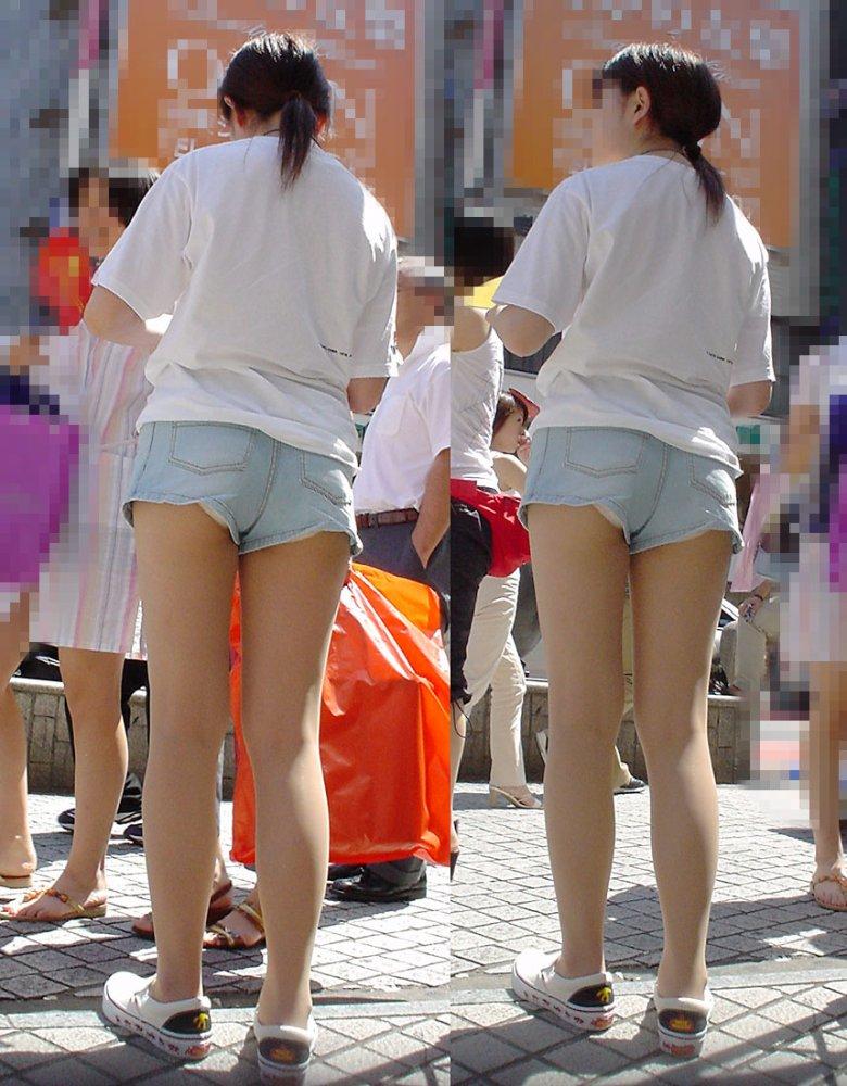 【着尻エロ画像】街中なのに尻ハミ出してるって凄い話(*´Д`)ホットパンツ姿の着尻素人たち 02