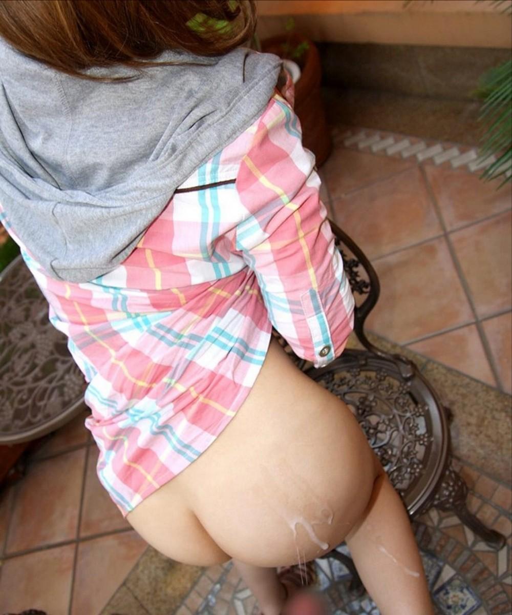 【ぶっかけエロ画像】外出しなら是非ココで!美尻に熱いの発射する尻フェチ専用フィニッシュ画像(*´Д`)