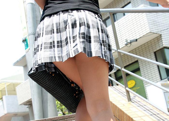 【着衣尻エロ画像】ずっと眺めていても飽きないwww街中の目立つ着衣尻をじっくり観察(▽ω▽)