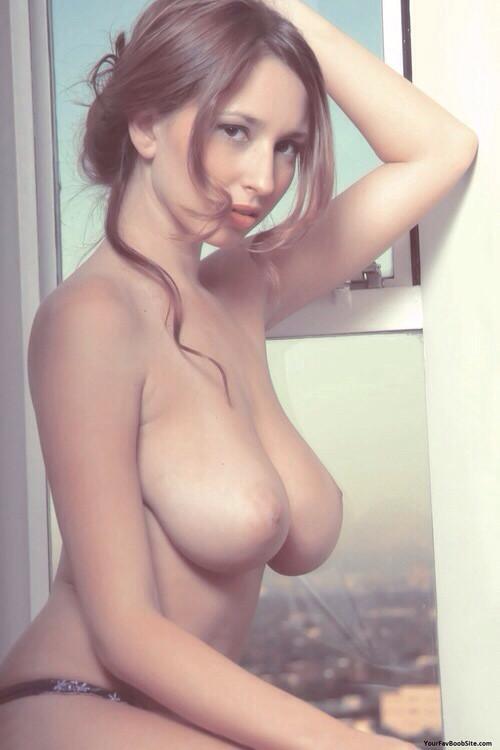 【海外エロ画像】ロシアの女の子の巨乳率上がりすぎてで実に末恐ロシア(*´д`*) 03