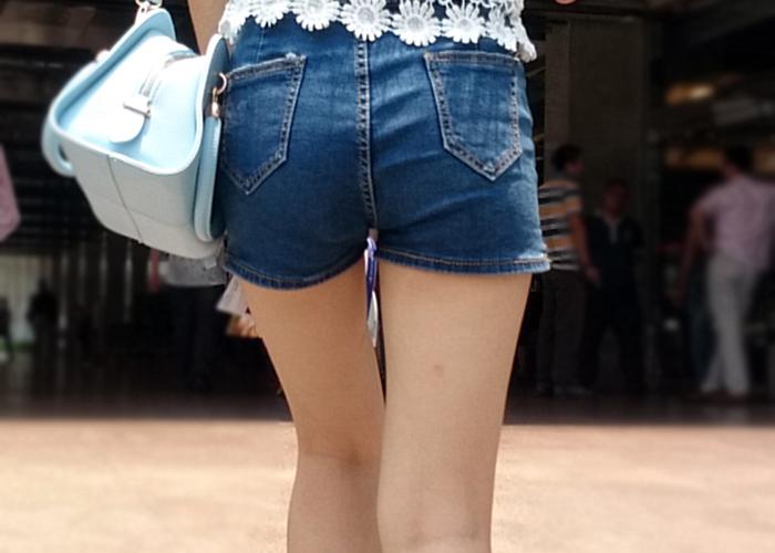 【中国美脚エロ画像】漢方の力?艶めかしい美脚の持ち主多数な中国で街撮り(*´д`*)