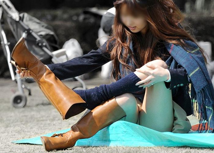 【パンチラエロ画像】ミニスカ女子がパンツを晒す瞬間は千載一遇なので見逃し厳禁(*´д`*)