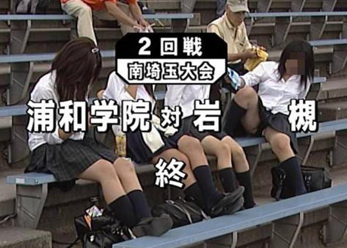 【TVお宝エロ画像】スタンドに迂闊な娘が多すぎw密かに開催されるパンチラ甲子園(*´д`*)
