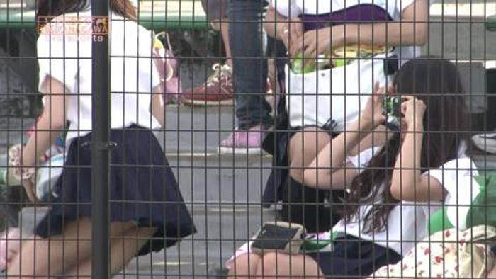 【TVお宝エロ画像】スタンドに迂闊な娘が多すぎw密かに開催されるパンチラ甲子園(*´д`*) 01