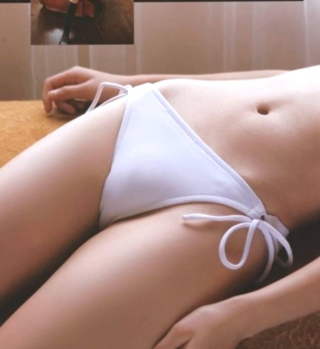 【股間エロ画像】盛ってる上にスジまで…実に女らしくて顔を埋めたくなる股間接写(*´д`*)