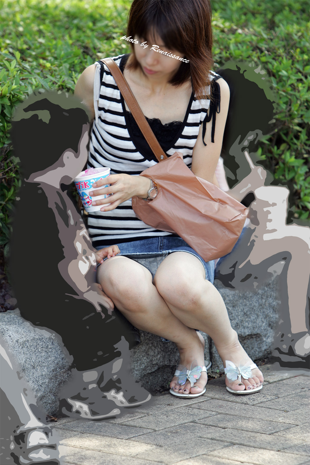 【パンチラエロ画像】まさか育児中に男漁り!?疑わしきママたちのパンチラ誘惑(*´д`*)