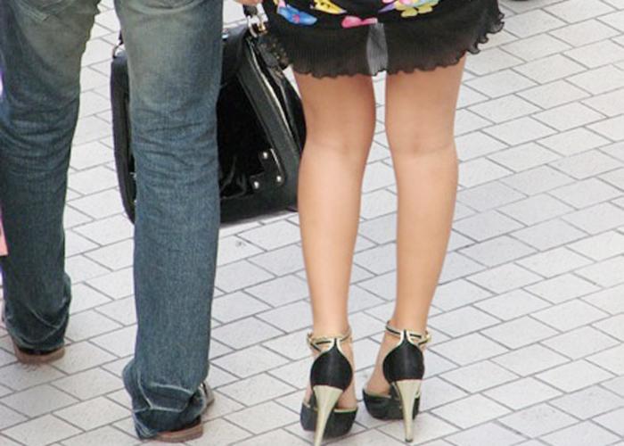 【美脚エロ画像】ギャルの第一条件が美脚であると思い知らされる街撮り脚線美(*´д`*)