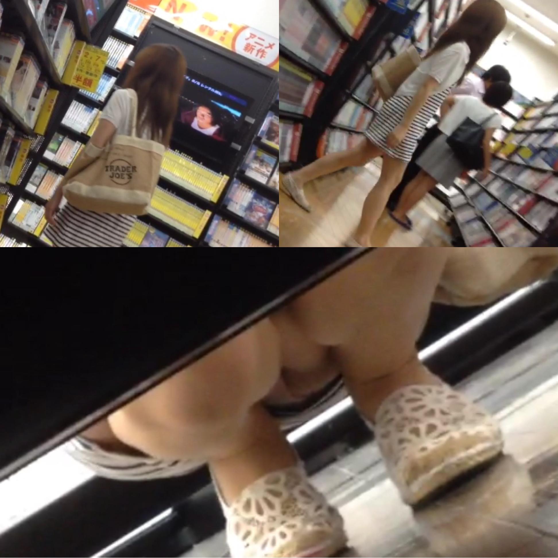 【パンチラエロ画像】この為だけに店の常連ですw棚下から覗いたミニスカパンチラ(*´Д`)