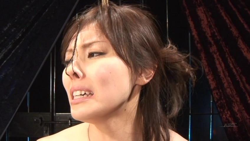 【SMエロ画像】顔責めだけは許して…穴拡げられて辱める鼻フック調教(゜ロ゜ノ)ノ