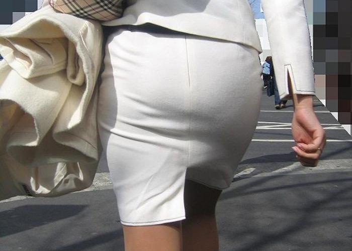 【OLエロ画像】尻クッキリタイトスカート!セクハラも納得な働く女の妖艶ヒップライン(*´Д`)