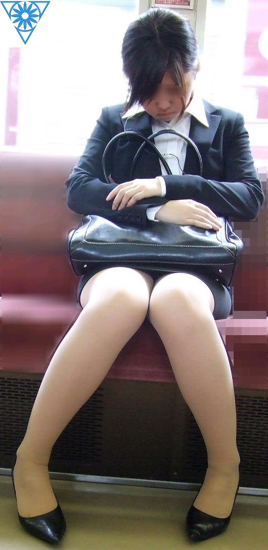 ▽電車での対面パンチラ▼23両目 [無断転載禁止]©bbspink.comYouTube動画>6本 ->画像>411枚