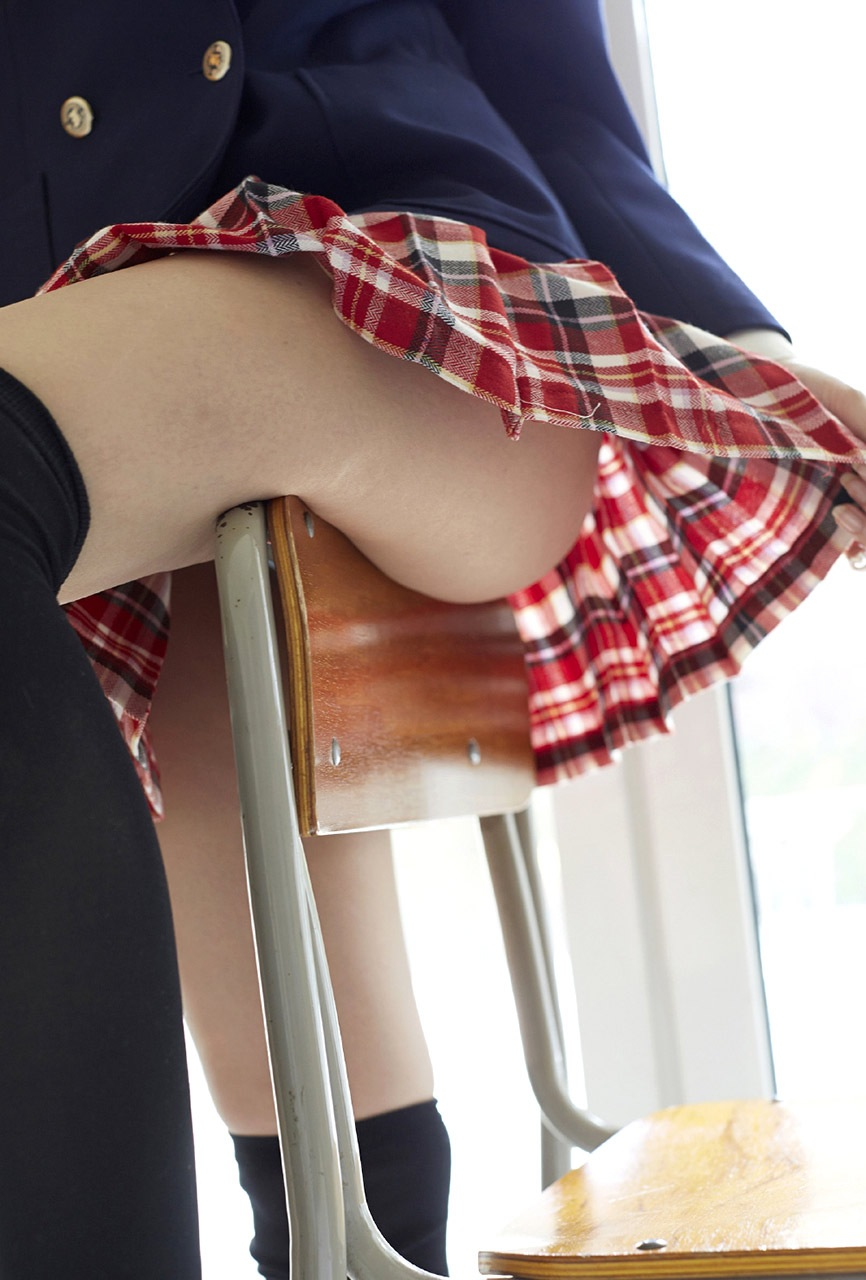 パンツ見えなくても抜ける女子校生の太腿画像 part4