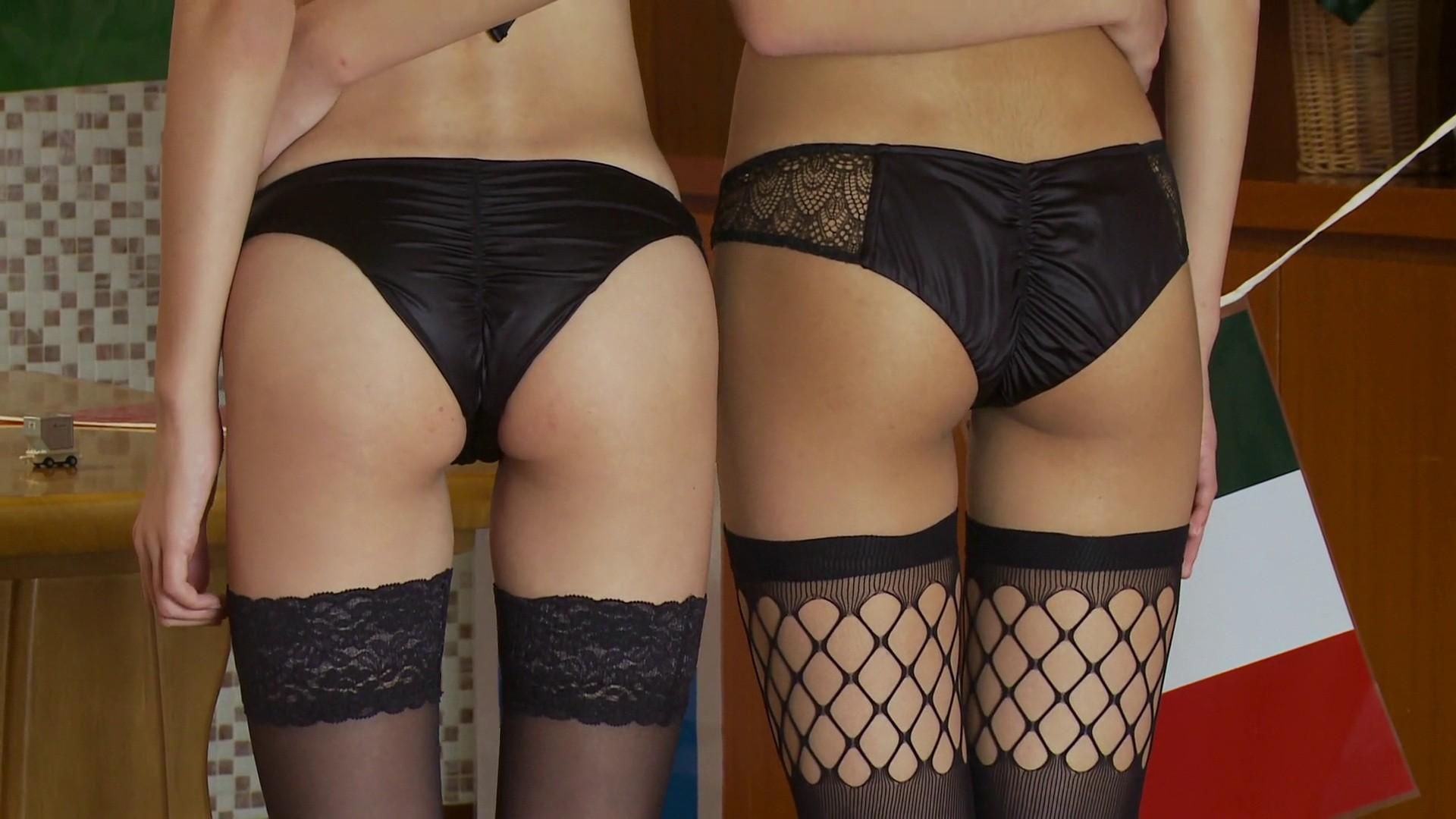 【下着エロ画像】堂々と見せて露骨なアピール!惹かれる女子のパンツ姿(*´Д`)