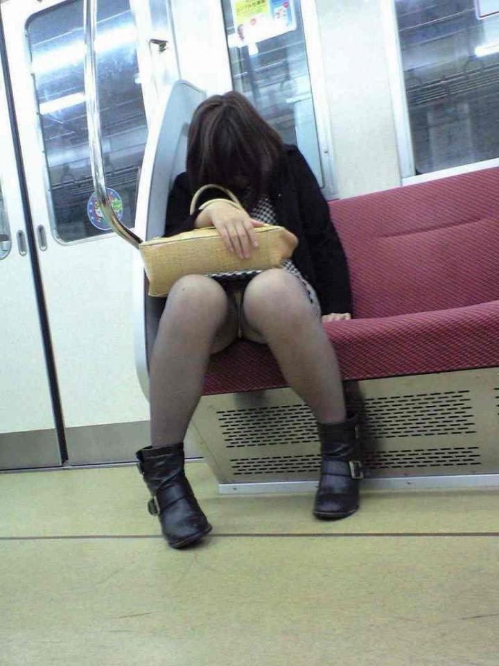 ▽電車での対面パンチラ▼16両目 [転載禁止]©bbspink.comYouTube動画>3本 ->画像>241枚