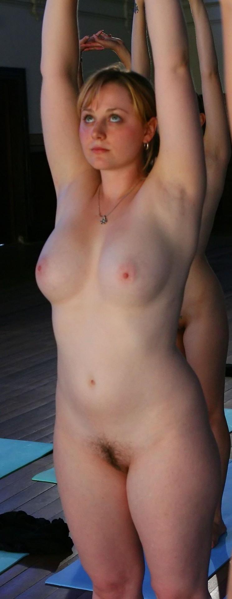【海外エロ画像】まさに乳の暴挙!メチャクチャにしたい外人さんの特盛り巨乳(*´Д`)