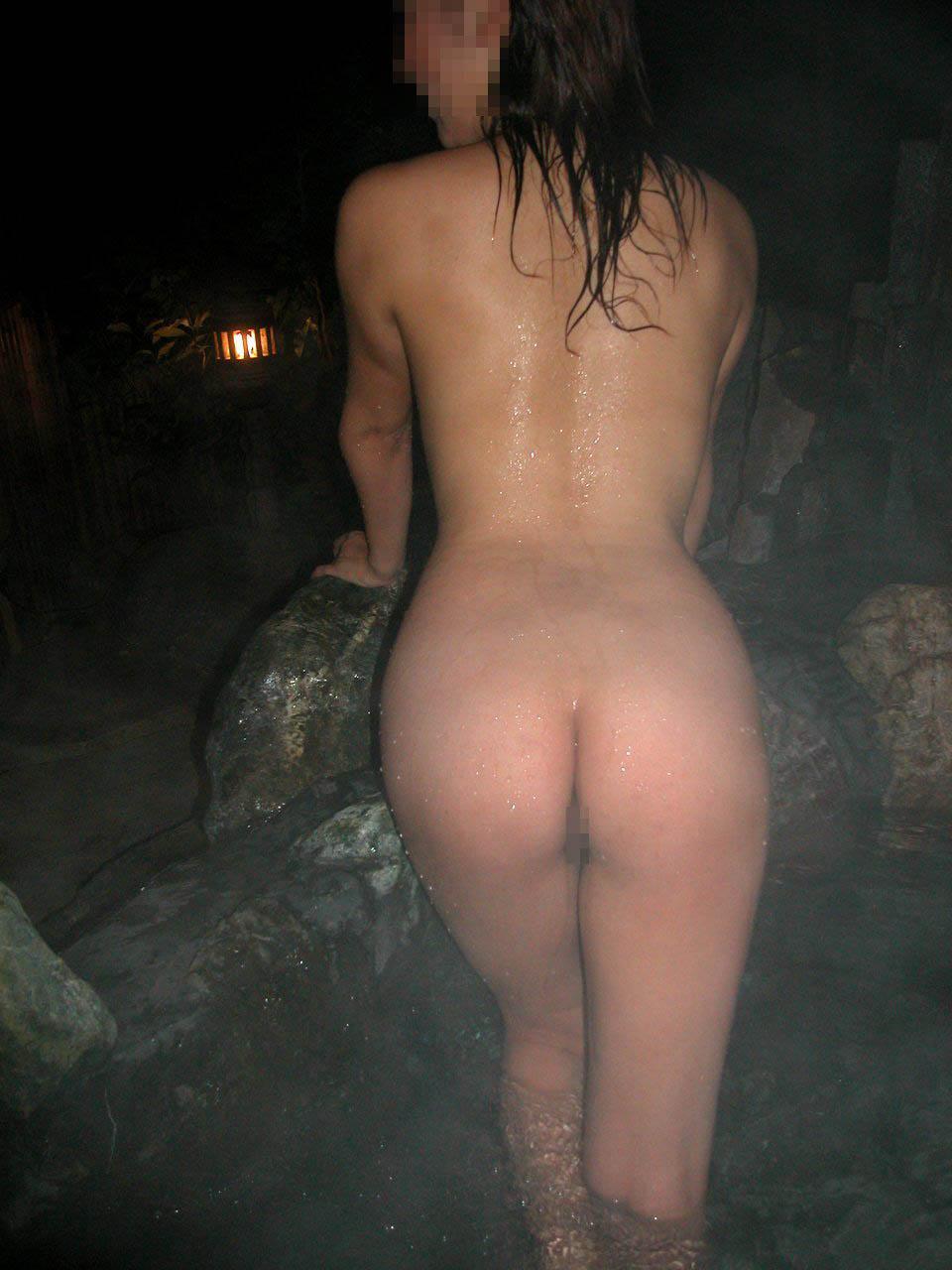 【入浴エロ画像】秘湯巡り好きと見せかけて…実は混浴風呂と全裸のお姉さん狙い(*´д`*)