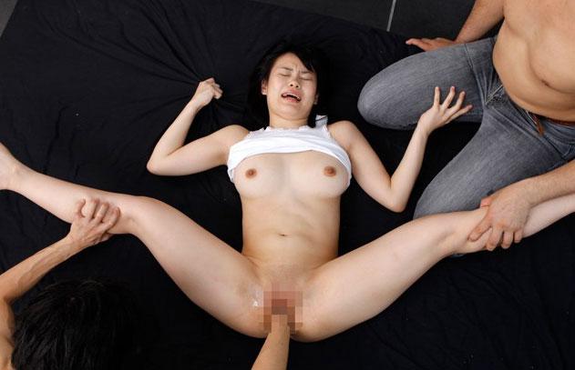 【フィストエロ画像】器の大きい(物理)な変態女たちの絶叫フィスト姦(゜ロ゜ノ)ノ