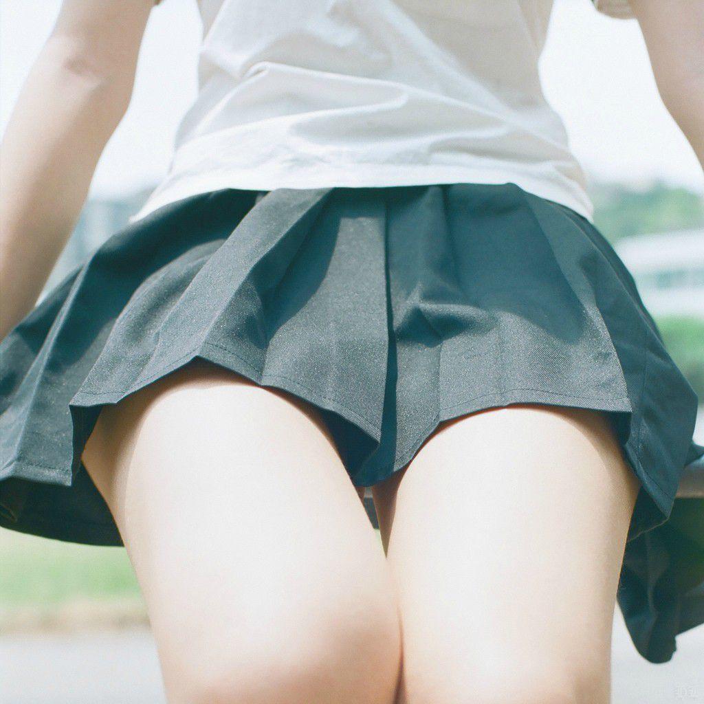 パンツ見えなくても抜ける女子校生の太腿画像 part5