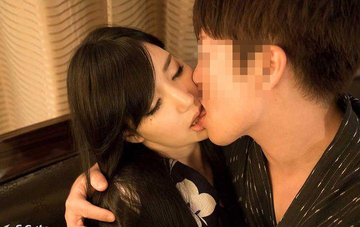 【接吻エロ画像】唇重ねるだけで勃つ&濡れる!エッチにとても重要な濃厚キス(*´д`*)