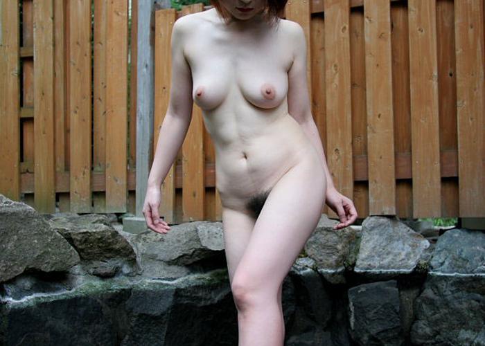 【温泉エロ画像】典型的なリア充自慢w嫁や彼女と混浴ついでに全裸撮り(*´д`*)