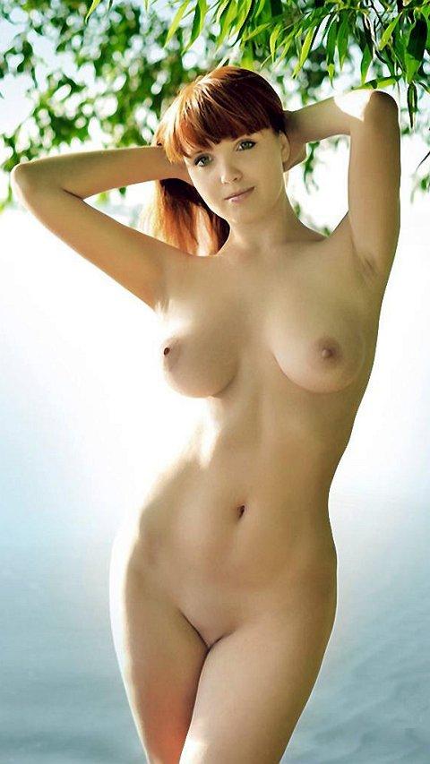 【海外エロ画像】デビュー前から処理するのがアチラの常識w外人美女の整えられた股間(;´Д`)