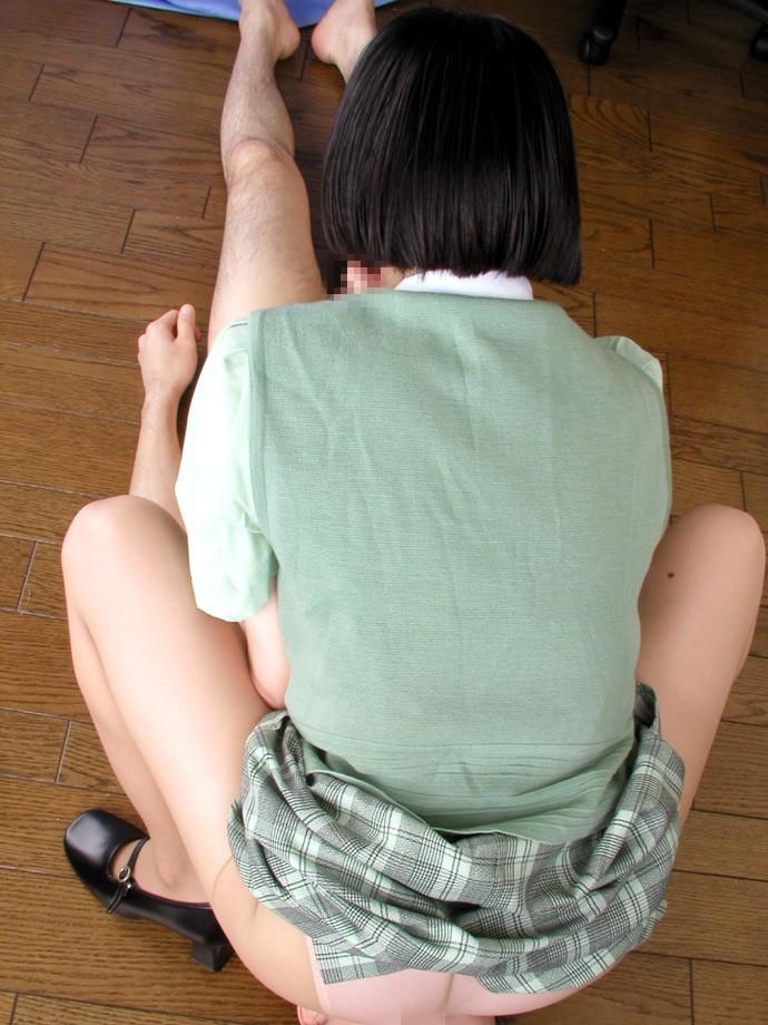 【痴女エロ画像】男には屈辱?いえご褒美ですwずっと舐めます顔面騎乗(*´Д`)