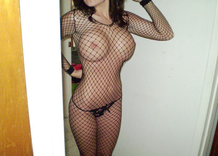【下着エロ画像】隠す機能はゼロw喜ばせる機能のみの全身網タイツが似合う極上女体(;´Д`)