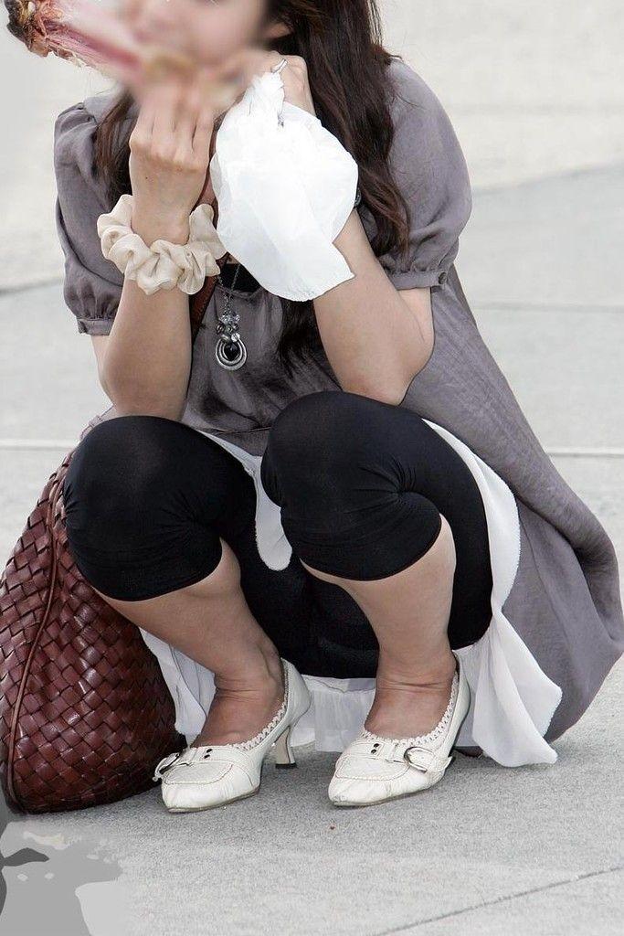 【透けパンエロ画像】隠れてないのに…レギンス姿でパンツ透け過ぎな街の尻(*´Д`)