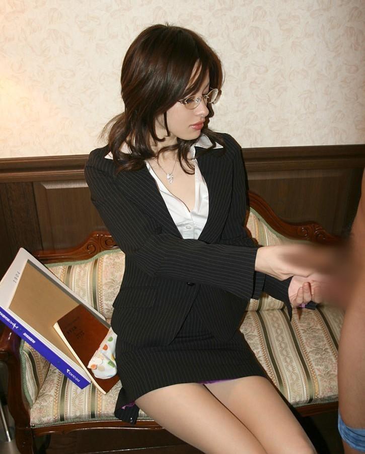 【手コキエロ画像】舐めたらあかんハンドジョブwハメるよりもヤバイ事もある女の手コキ(*´д`*)