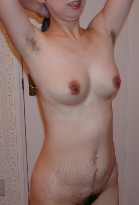【腋フェチエロ画像】剃りましょうwアドバイスはたった一言な腋毛の女たち(*´Д`)