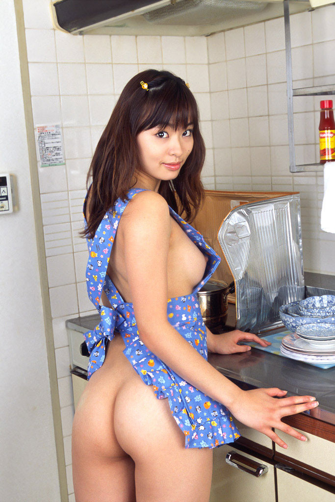 【人妻エロ画像】即ハメしてみたい!仕事疲れも吹き飛びそうな裸エプロン妻(*´Д`)