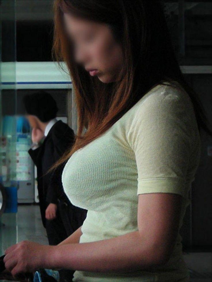 【着衣おっぱい画像】こんなデカ乳のお姉さんとエロい事してる男性羨ましいwww