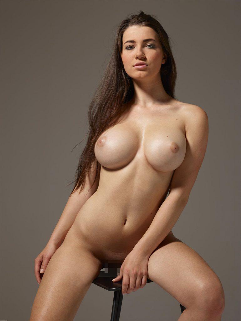 【海外エロ画像】即抜けの爆乳&クビレ!これぞ外人美女と言える極上裸体(*´д`*)