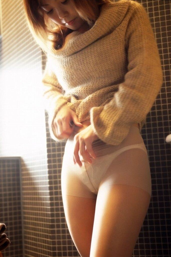 【着エロ画像】巨乳女子との相性抜群!是非着て乳袋やってニット系女子(;´Д`)