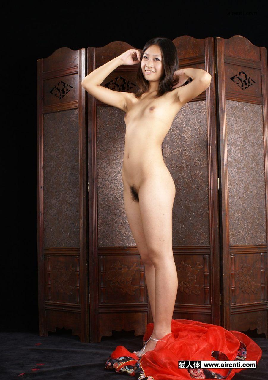 【貧乳エロ画像】やっぱり痩せ型女子に似合うw抱きしめて暖めたい貧乳女子(*´д`*)